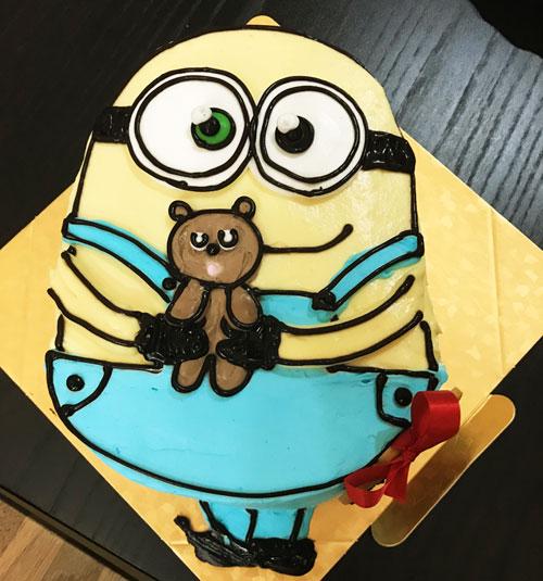 ミニオンズボブの誕生日ケーキ