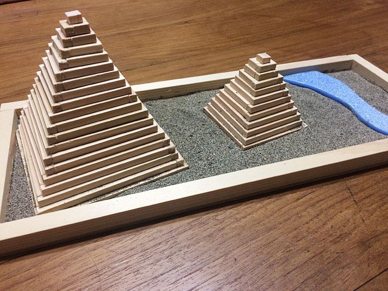 ピラミッド模型の完成